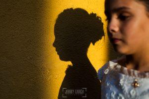 Fotos de comunión, comuniones Johnny García, fotógrafo en Extremadura, su sombra