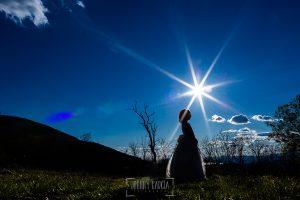 Fotos de comunión, comuniones Johnny García, fotógrafo en Extremadura, a contraluz con el sol