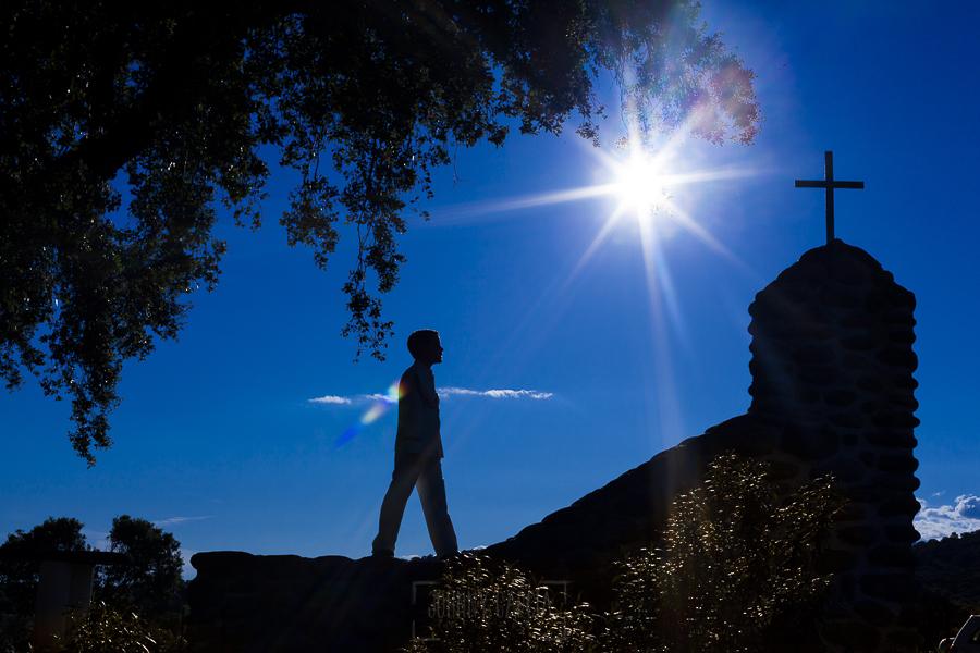 Fotos de comunión, comuniones Johnny García, fotógrafo en Extremadura, hacia la cruz