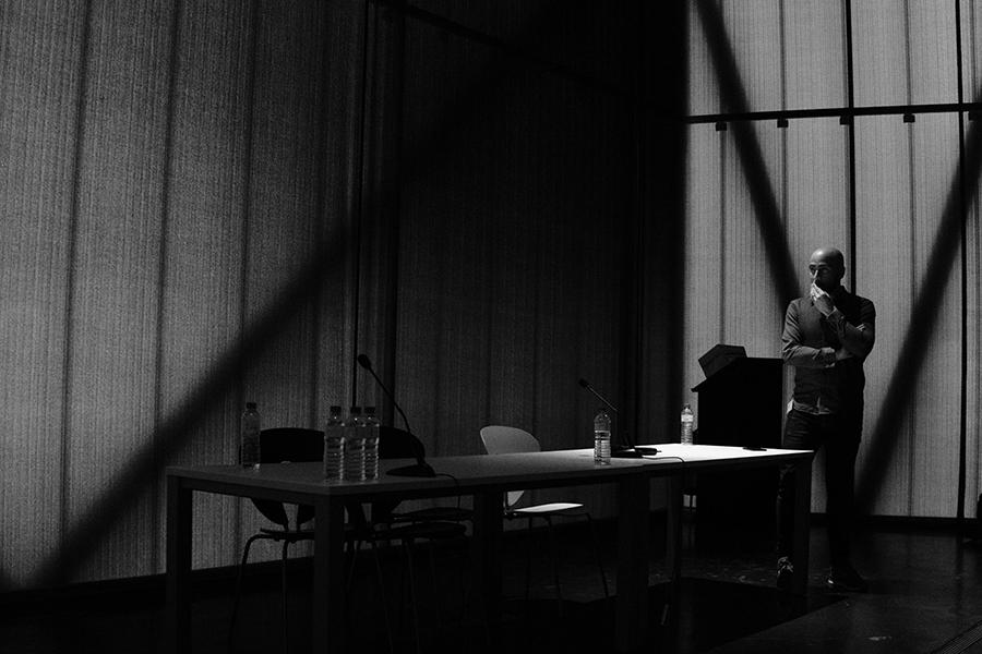 fotografía de la ponencia de Johnny García en el I Fotoencuentros de Almendralejo