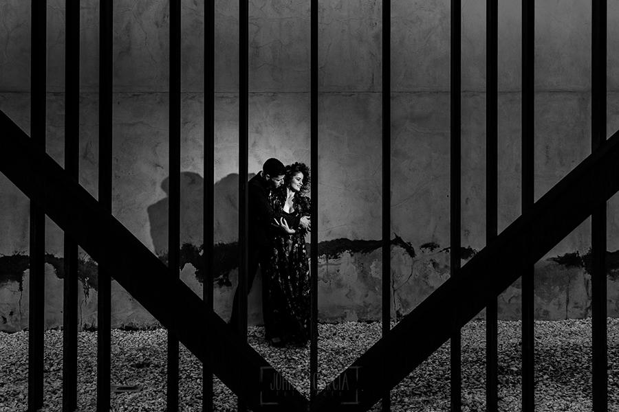 Fotografía realizada por Johnny García en el I Fotoencuentro de Almendralejo, pareja en el Museo del Vino