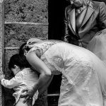 Fotografía premiada en Fotógrafos de Boda en España realizada por el fotógrafo de bodas en Extremadura Johnny García, foto realizada en el Teatro de Béjar, Salamanca