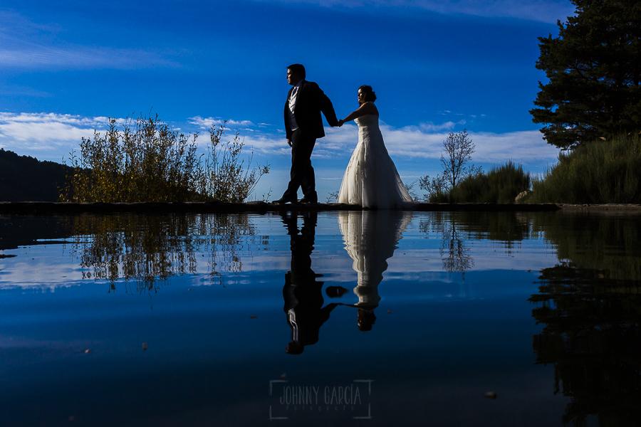 Boda en el Torreón de Veredillas de María e Iván, fotos de boda realizadas por el fotógrafo de bodas en Cáceres Johnny García, retrato en la sierra