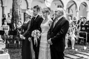 Bodas en Béjar, de Gema y Alberto realizada por el fotógrafo de bodas en Béjar, Salamanca, Johnny García, un retrato de los novios junto a los padrinos.