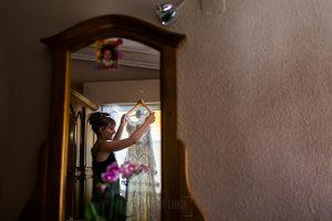 Bodas en Béjar, de Gema y Alberto realizada por el fotógrafo de bodas en Béjar, Salamanca, Johnny García, Gema con su vestido.