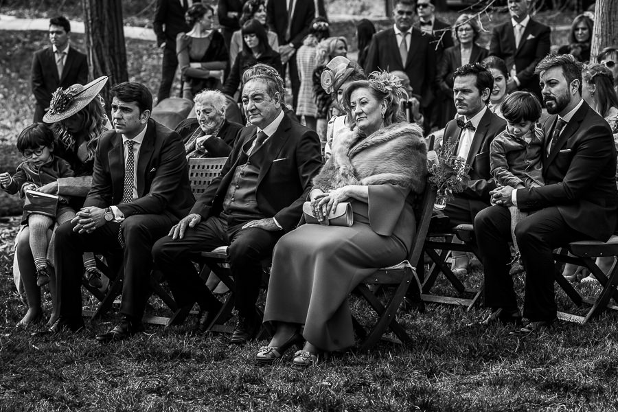 Boda en Arroyomolinos de la Vera de Tamara y David realizada por el fotógrafo de bodas en Cáceres Johnny García, los padres de David