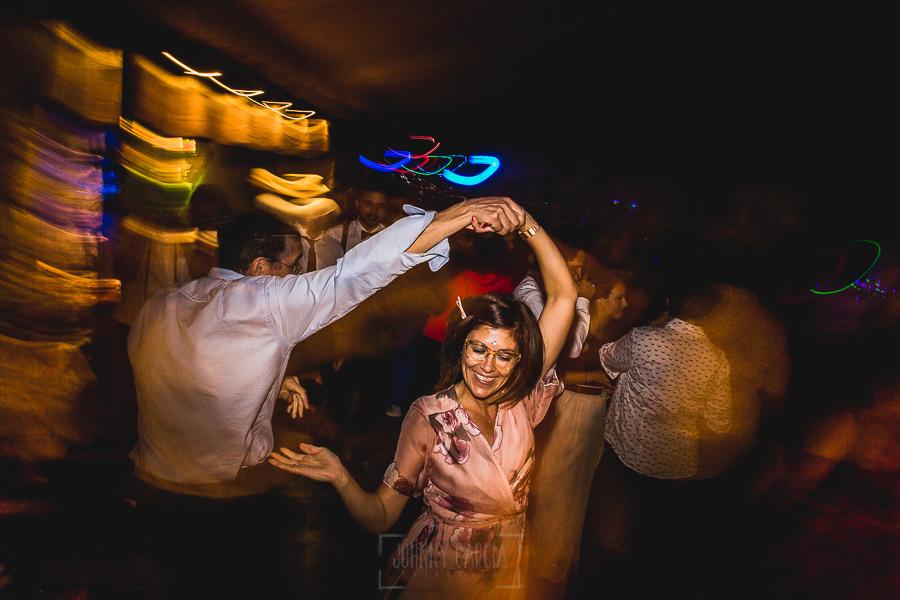 Boda en Puerto de Béjar de Ani y Hécter realizada por el fotógrafo de bodas en el Rincón de Castilla Johnny García, Salamanca; seguimos de fiesta.