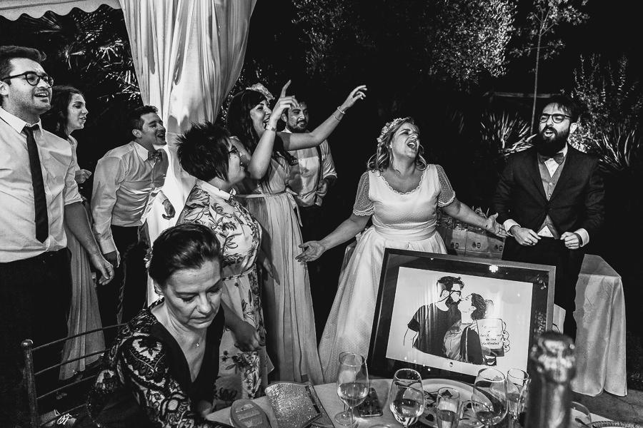 Boda en Puerto de Béjar de Ani y Hécter realizada por el fotógrafo de bodas en el Rincón de Castilla Johnny García, Salamanca; regalo de los invitados.