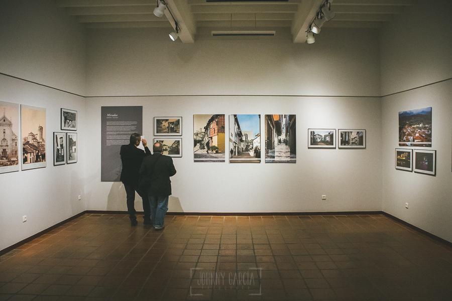 Exposición Miradas, memoria y realidad, en el Museo Pérez Comendador-Leroux organizada por el Ayntamiento de Hervás, Johnny García y Jose María Castellano. Primeros visitantes