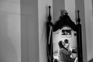 Fotografía infantil, premamá, embarazo y familia realizada por Johnny García, Fotógrafo en Hervás. Marina con su madre.