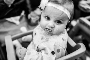 Fotografía infantil, premamá, embarazo y familia realizada por Johnny García, Fotógrafo en Hervás. Una amiga de Marina.
