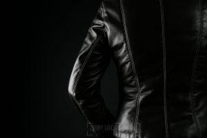© Johnny Garcia | Fotografia para Hervás Piel, chaqueta mujer.