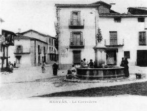 Fotografía de la Plaza de la Corredera hacia 1900, autor desconocido.