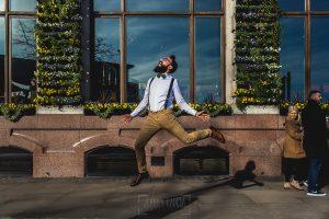 Post boda en Londres de Ani y Hécter realizadas por Johnny García, fotógrafo de bodas en Londres; Hécter salta