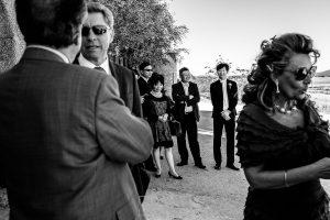 Boda en el Castillo de las Seguras de Cáceres de Marta y Charley realizada por Johnny García, fotógrafo de bodas en Cáceres. Charley espera a la novia.
