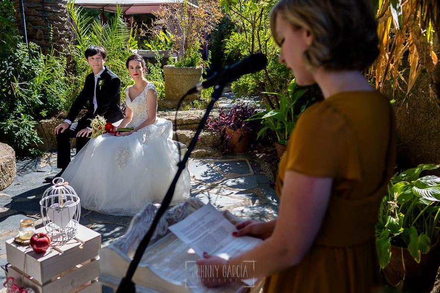 Boda en el Castillo de las Seguras de Cáceres de Marta y Charley realizada por Johnny García, fotógrafo de bodas en Cáceres. La cuñada de Marta les dedica unas palabras.