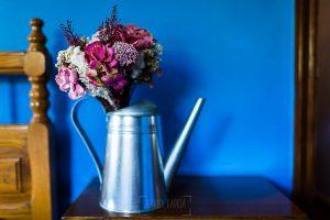 Los mejores ramos de novia, ideas para tu ramo de novia, Johnny Garcia fotógrafos, un ramo de novia en una regadera.
