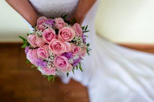 Los mejores ramos de novia, ideas para tu ramo de novia, Johnny Garcia fotógrafos, ramo de novia con rosas rosas.
