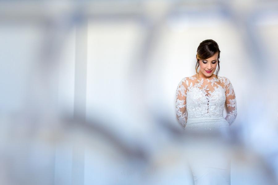 Boda en Hacienda de Regla, Sevilla, de Jessica y Sergio, Johnny García, fotógrafo de bodas en Sevilla; un retrato de la novia.