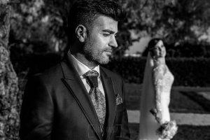 Boda en Hacienda de Regla, Sevilla, de Jessica y Sergio, Johnny García, fotógrafo de bodas en Sevilla; retrato de Sergio.