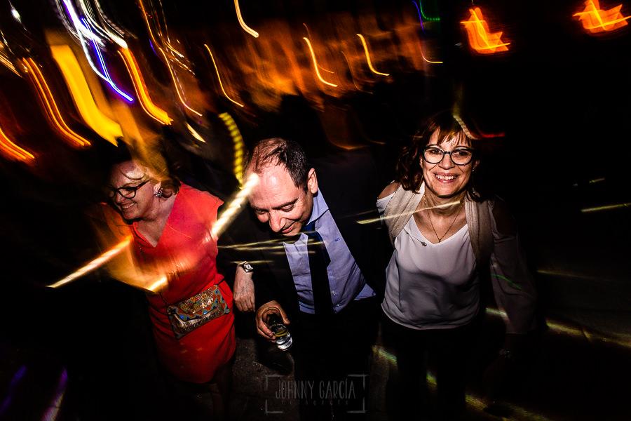 Boda en La Alberca de Sonia y Juanjo realizada por el fotógrafo de bodas en Salamanca Johnny García. Momento de la fiesta 5.