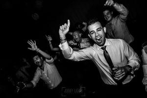Boda en Béjar de Vanessa y Jorge realizada por Johnny García, fotógrafo de bodas en Béjar. Momento fiesta.