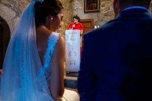 Bodas en Piedrahíta de Ana y Alberto, realizada por el fotógrafo de bodas en Salamanca Johnny García. La prima de la novia le dirige unas palabras a los novios.