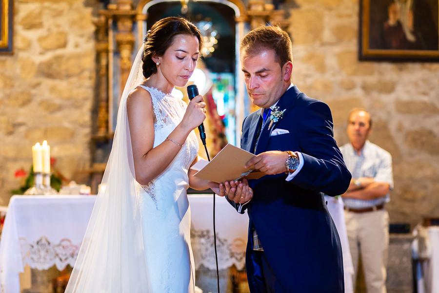 Bodas en Piedrahíta de Ana y Alberto, realizada por el fotógrafo de bodas en Salamanca Johnny García. Los novios le dedican unas palabras a todos sus familiares y amigos.
