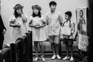 Boda en Villaviciosa de Carmen y David realizada por el fotógrafo de bodas en Asturias Johnny García. Los niños de las arras.