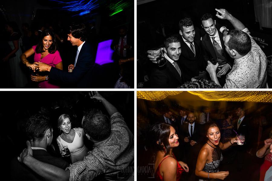 Boda en Villaviciosa de Carmen y David realizada por el fotógrafo de bodas en Asturias Johnny García. Varias fotos de la fiesta.