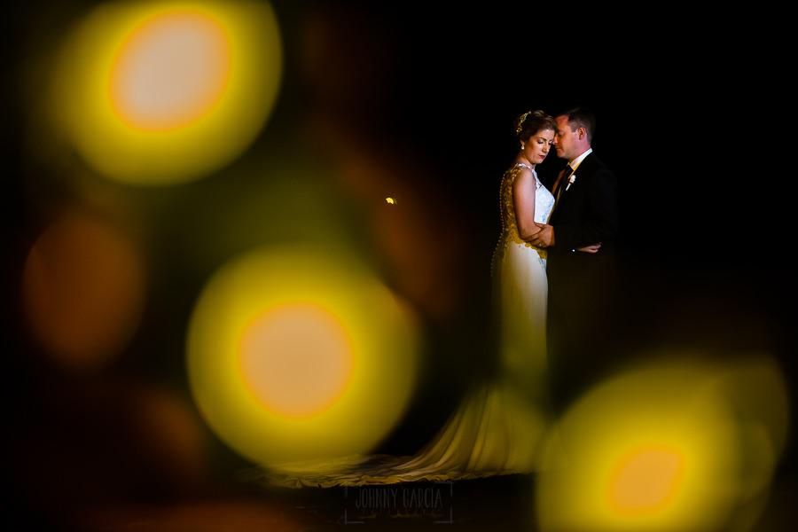 Bodas Jarandilla de la Vera, boda de Clara y David en el Hotel Ruta Imperial, fotos realizadas por Johnny García, fotógrafo de bodas en Cáceres. Los novios.