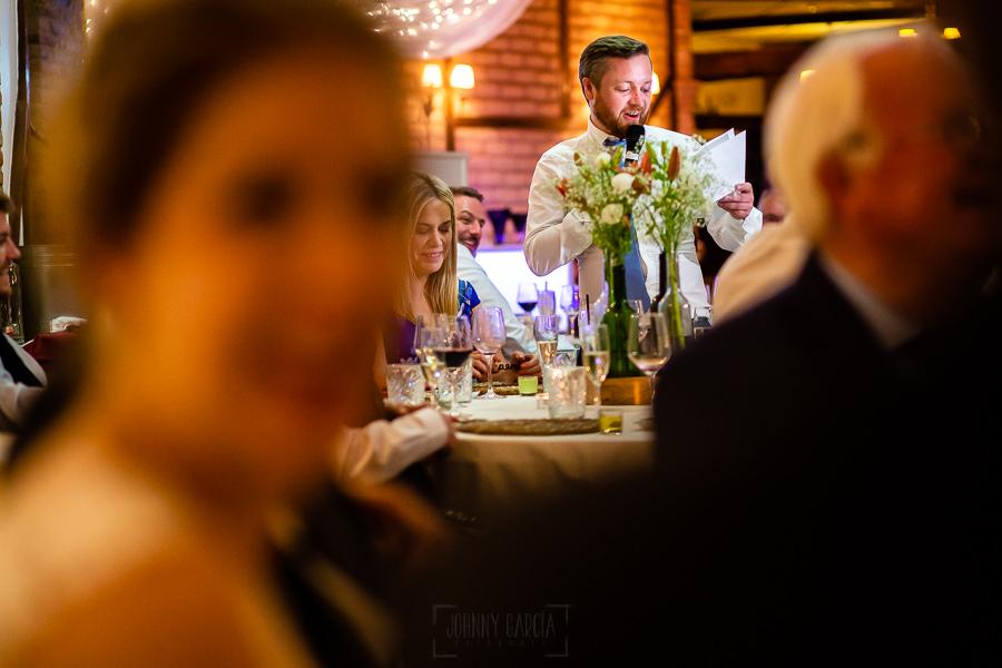 Bodas Jarandilla de la Vera, boda de Clara y David en el Hotel Ruta Imperial, fotos realizadas por Johnny García, fotógrafo de bodas en Cáceres. Discurso del hermano del novio.