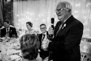 Bodas Jarandilla de la Vera, boda de Clara y David en el Hotel Ruta Imperial, fotos realizadas por Johnny García, fotógrafo de bodas en Cáceres. Discurso del padre del novio.