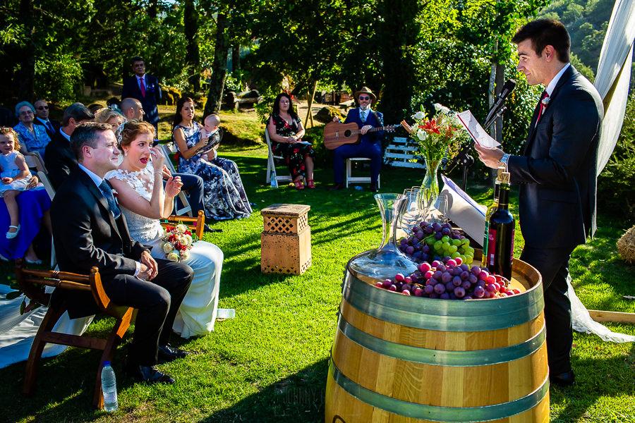 Bodas Jarandilla de la Vera, boda de Clara y David en el Hotel Ruta Imperial, fotos realizadas por Johnny García, fotógrafo de bodas en Cáceres. Un familiar de la novia le dedica unas palabras.