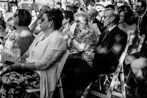 Bodas Jarandilla de la Vera, boda de Clara y David en el Hotel Ruta Imperial, fotos realizadas por Johnny García, fotógrafo de bodas en Cáceres. La abuela de la novia se emociona.