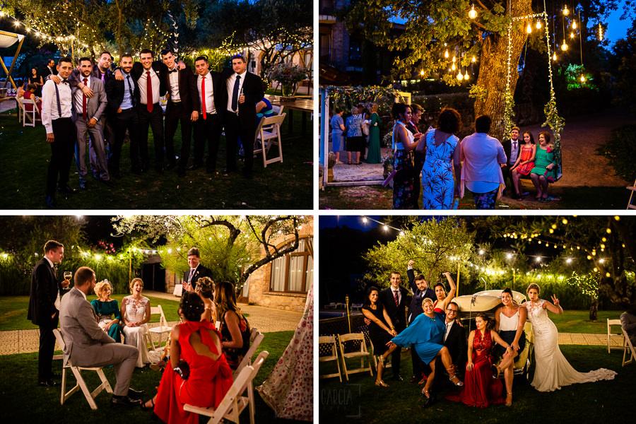 Bodas Jarandilla de la Vera, boda de Clara y David en el Hotel Ruta Imperial, fotos realizadas por Johnny García, fotógrafo de bodas en Cáceres. Fotos de grupo junto a los novios.