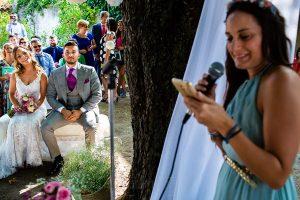 Boda en Aldeanueva del Camino de Sonia y Samuel realizada por el fotógrafo de bodas Johnny García. Una amiga le dedica unas palabras a la pareja.