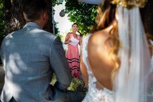 Boda en Aldeanueva del Camino de Sonia y Samuel realizada por el fotógrafo de bodas Johnny García. La prima de Sonia le dedica unas palabras a los novios.