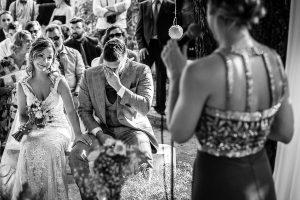 Boda en Aldeanueva del Camino de Sonia y Samuel realizada por el fotógrafo de bodas Johnny García. Samuel se emociona al hablar de su abuelo.