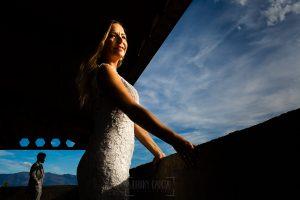 Boda en Aldeanueva del Camino de Sonia y Samuel realizada por el fotógrafo de bodas Johnny García. Una foto de la postboda.