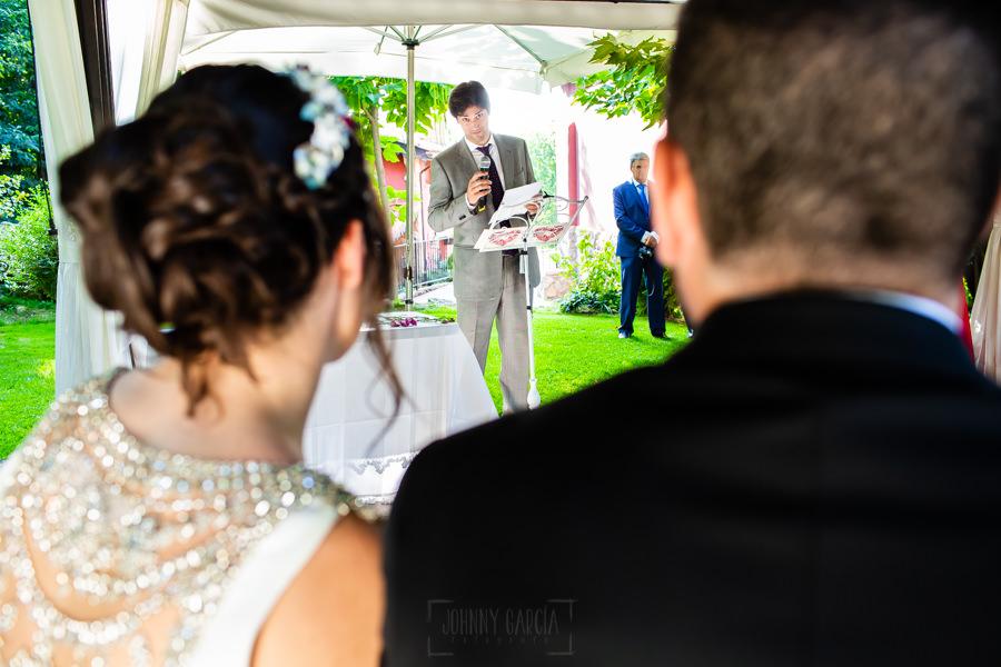 Boda en el Rincón de Castilla de Isa y Juan, realizada por el fotógrafo de bodas en Béjar Johnny García, un amigo de la pareja le dedica unas palabras.