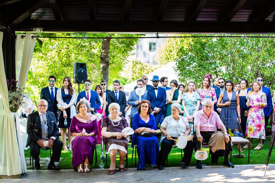 Boda en el Rincón de Castilla de Isa y Juan, realizada por el fotógrafo de bodas en Béjar Johnny García, los familiares de los novios.
