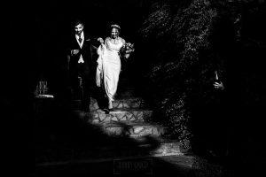 Boda en el Rincón de Castilla de Isa y Juan, realizada por el fotógrafo de bodas en Béjar Johnny García, los novios llegan al cóctail.