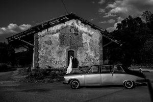 Boda en el Rincón de Castilla de Isa y Juan, realizada por el fotógrafo de bodas en Béjar Johnny García, una foto de la pareja en su reportaje.