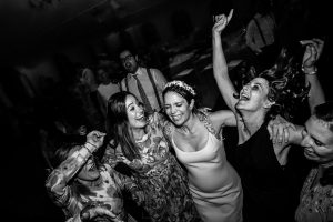 Boda en el Rincón de Castilla de Isa y Juan, realizada por el fotógrafo de bodas en Béjar Johnny García, gran fiesta de boda.
