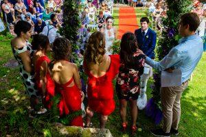 Boda en Segura de Toro de Araceli y César, captada fotográficamente por elfotógrafo de bodas en Cáceres Johnny García, las amigas de la novia le dedican unas palabras a la pareja.