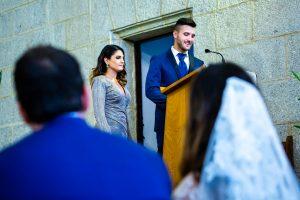 Boda en Hervás de Yolanda e Ignacio, foto realizada por el fotógrafo de bodas en Cáceres Johnny García. El hermano de la novia les dedica unas palabras.