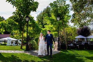 Boda en Puerto de Béjar de Susana y Benjamín, realizada por el fotógrafo de bodas en Guijuelo Johnny García. Entrada al banquete.